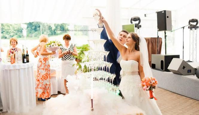 Пирамида шампанского на свадьбу цена
